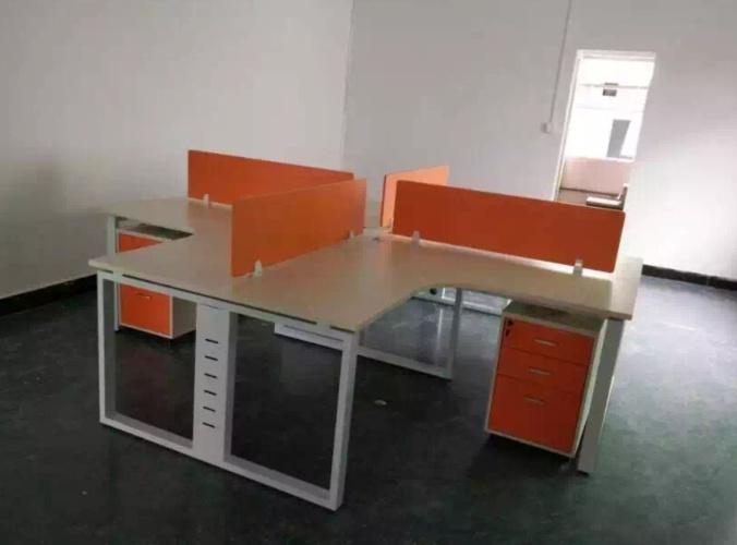 办公桌44.png